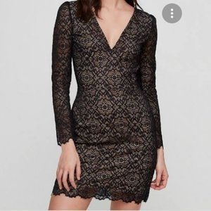 Aritzia Wilfred Lace VNeck Long Sleeve Dress